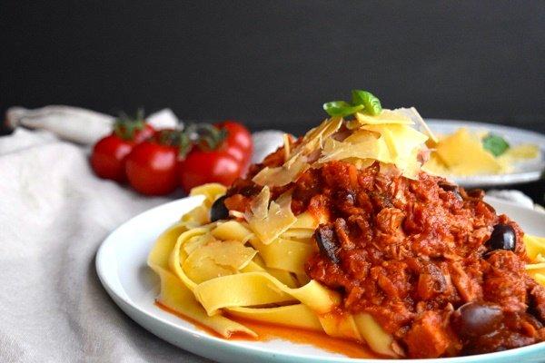 Tomato, Tuna and Olive Pasta