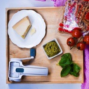 Angelos Pasta Pesto